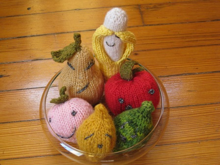 knitted-fruit-bowl.JPG