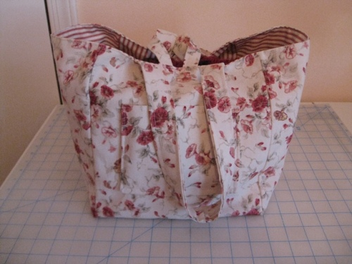 Fat Quarter Bag Sept 24 2013 010