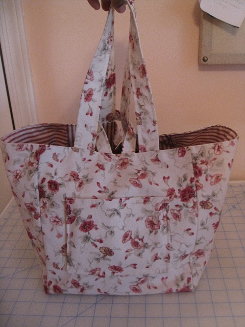 Fat Quarter Bag Sept 24 2013 011