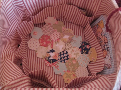 Fat Quarter Bag Sept 24 2013 015
